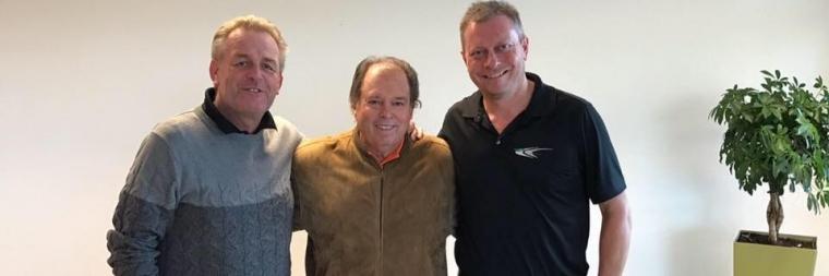 Andrew und Colin mit Hall of Fame Teacher und BioSwing Dynamics Mitbegründer Mike Adams